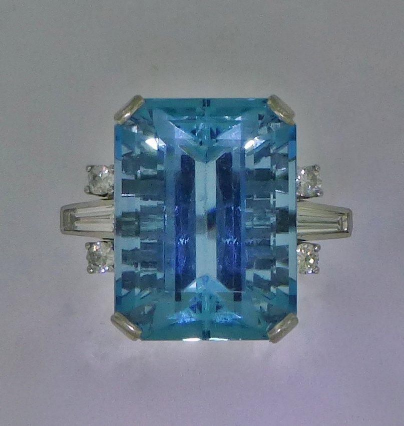 ART DECO 18ct AQUAMARINE & DIAMOND 18k GOLD RING