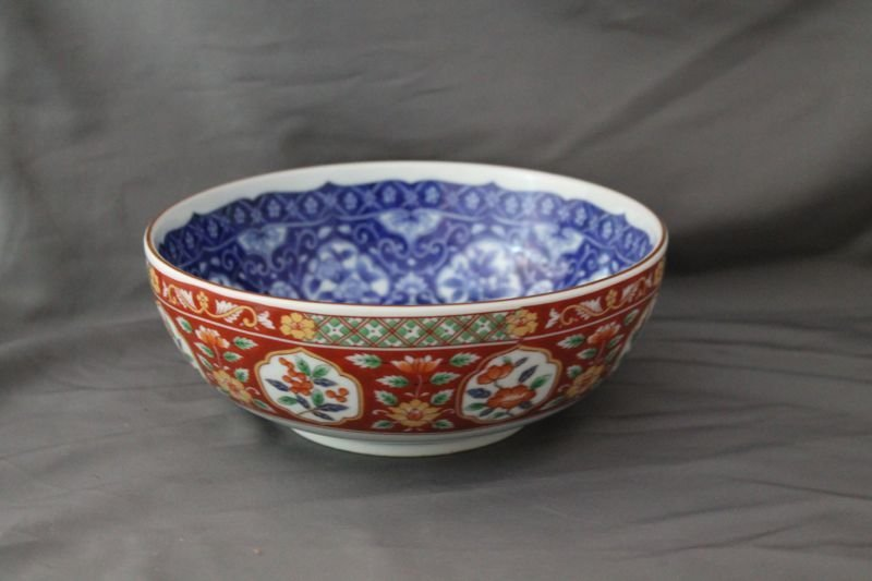 FINE MID 20th CENTURY CHINESE HP PORCELAIN RICE BOWL