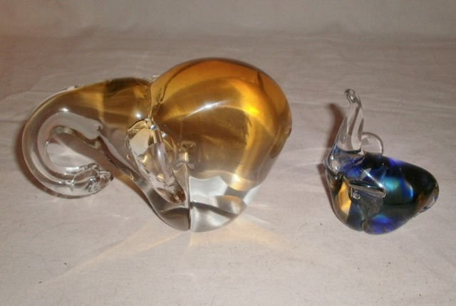 HB CZECH, MURANO 1970s CRYSTAL ELEPHANT PAPERWEIGHTS XC