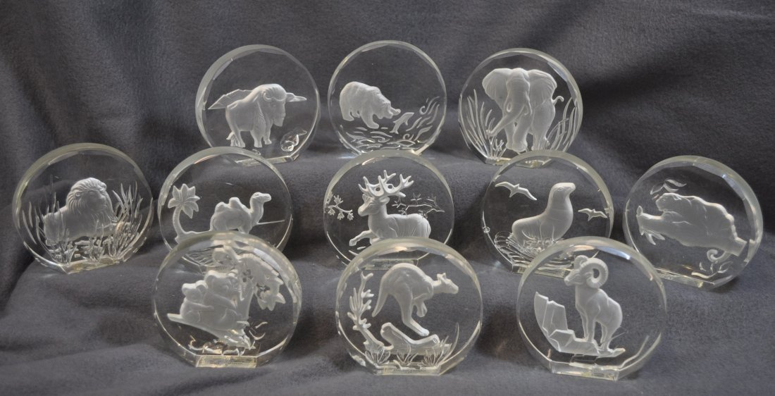 WILDLIFE CRYSTALS PAPERWEIGHTS 11 PCS DANBURY MINT XK