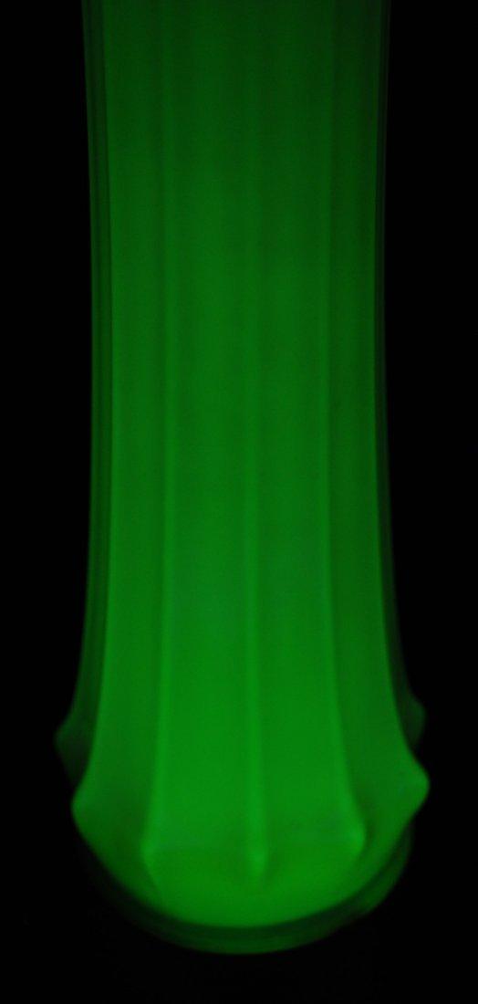ULTRA RARE 1002 FOSTORIA HEIRLOOM 26.5 VASELINE VASE XV - 10