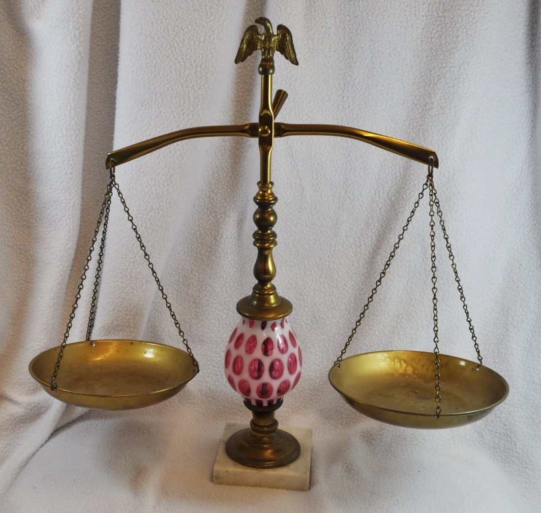 1960s FENTON CRANBERRY COIN DOT SCALES OF JUSTICE XX