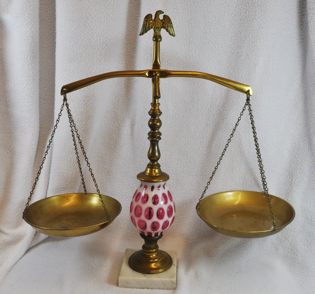 1960s FENTON CRANBERRY COIN DOT SCALES OF JUSTICE XX - 2