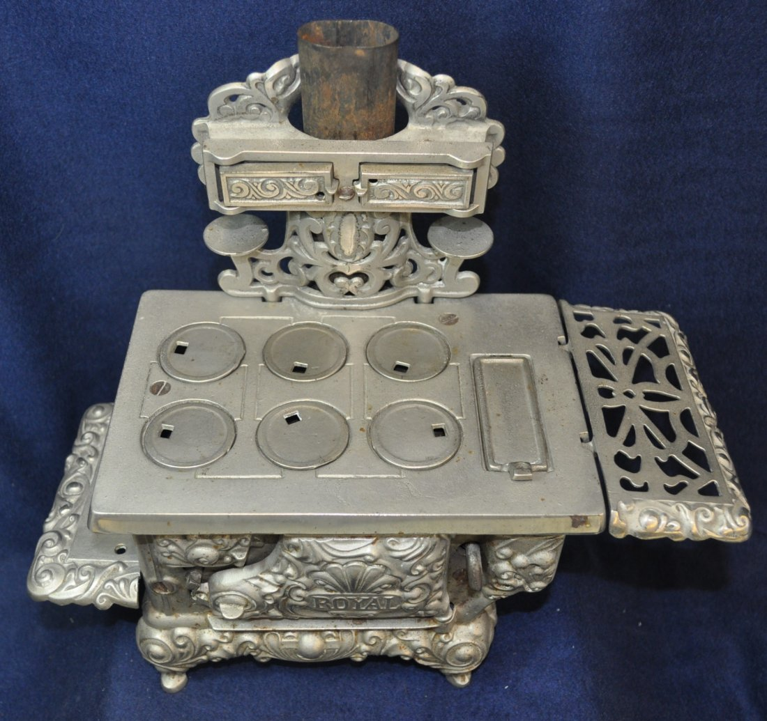 ANTIQUE CAST IRON TOY SILVER ROYAL WOOD STOVE - 2