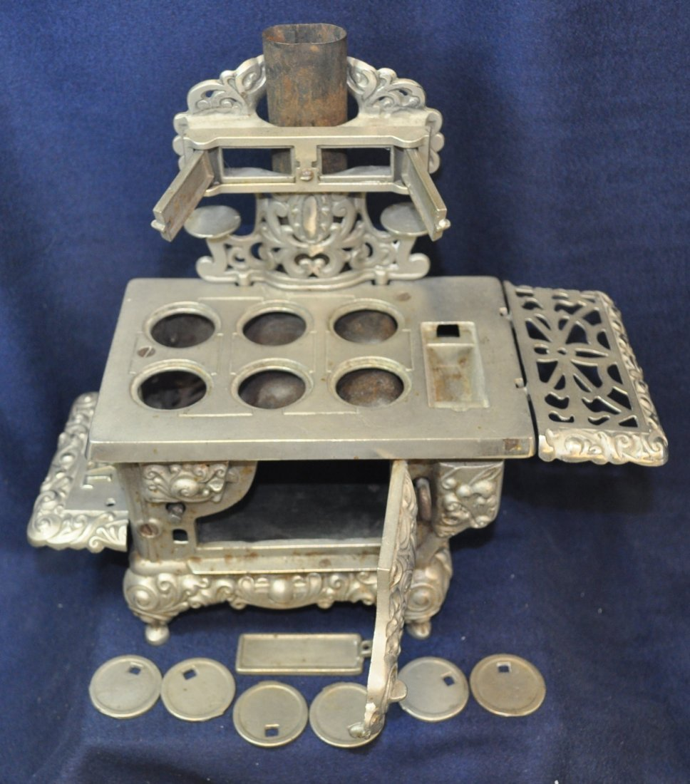 ANTIQUE CAST IRON TOY SILVER ROYAL WOOD STOVE - 3