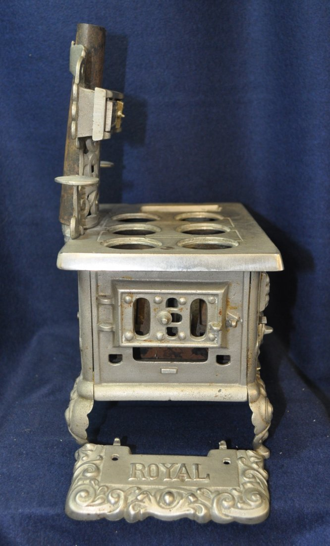 ANTIQUE CAST IRON TOY SILVER ROYAL WOOD STOVE - 7
