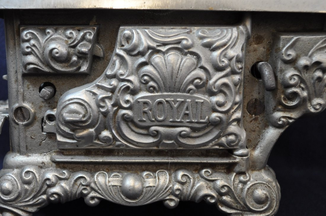 ANTIQUE CAST IRON TOY SILVER ROYAL WOOD STOVE - 8