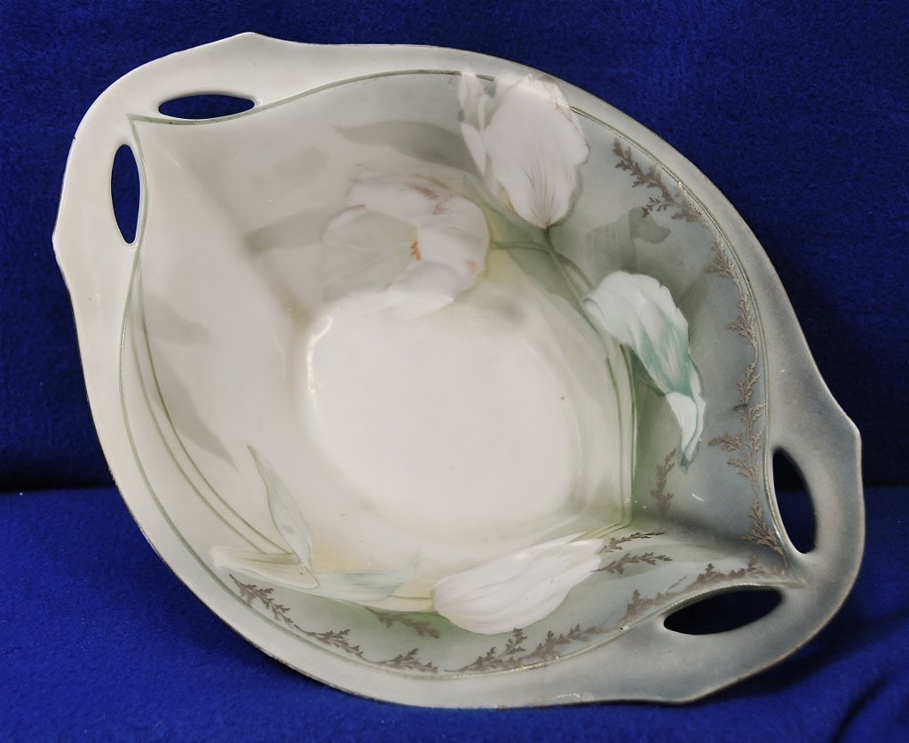 1920s HP RS GERMANY TULIPS HANDLES & FOOTED DISH