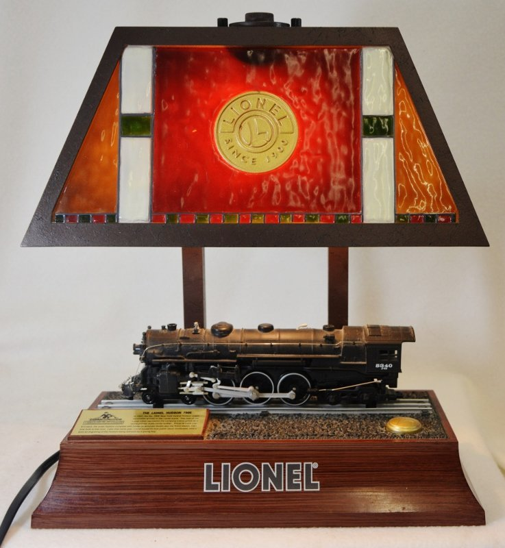 1990s LIONEL FULL ELECTRIC ANIMATED NYC TRAIN DESK LAMP