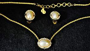 VTG CHRISTIAN DIOR NECKLACE & EARRINGS PEARL GOLD SET