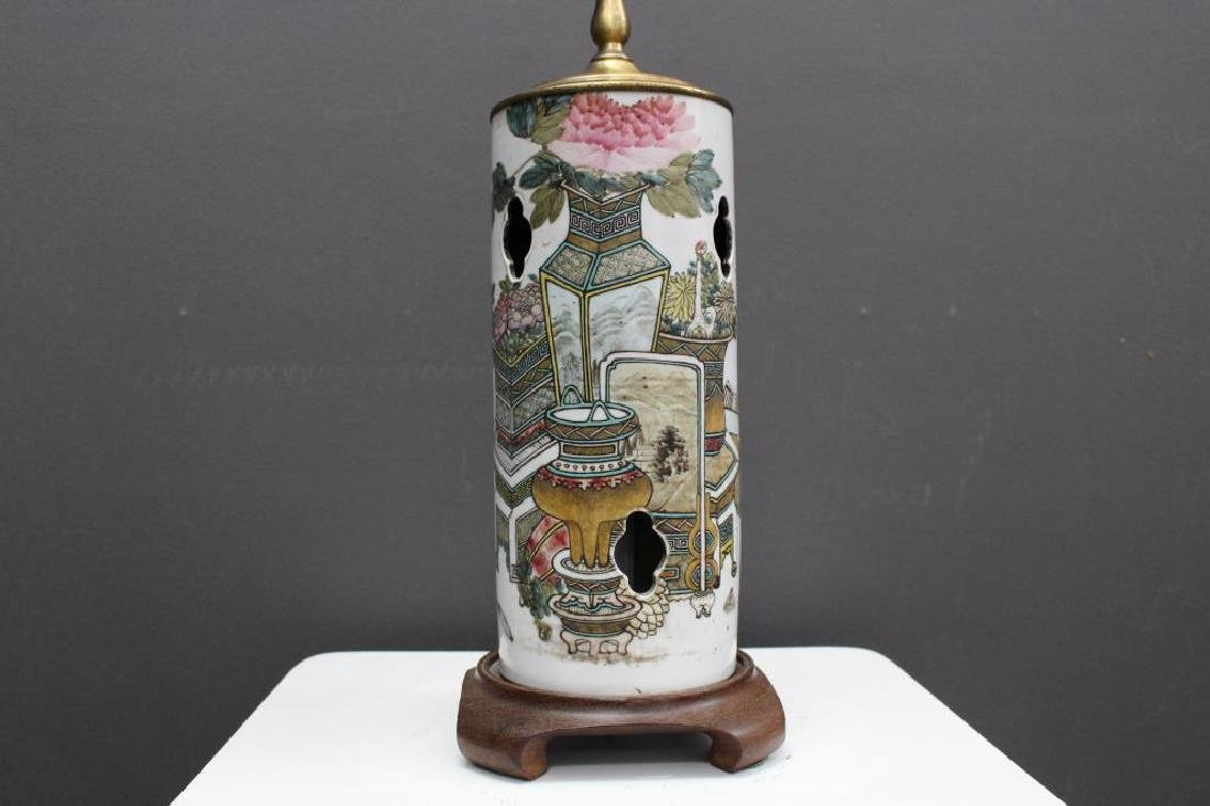 Chinese Qing Dynasty Signed Porcelain Lamp - 2
