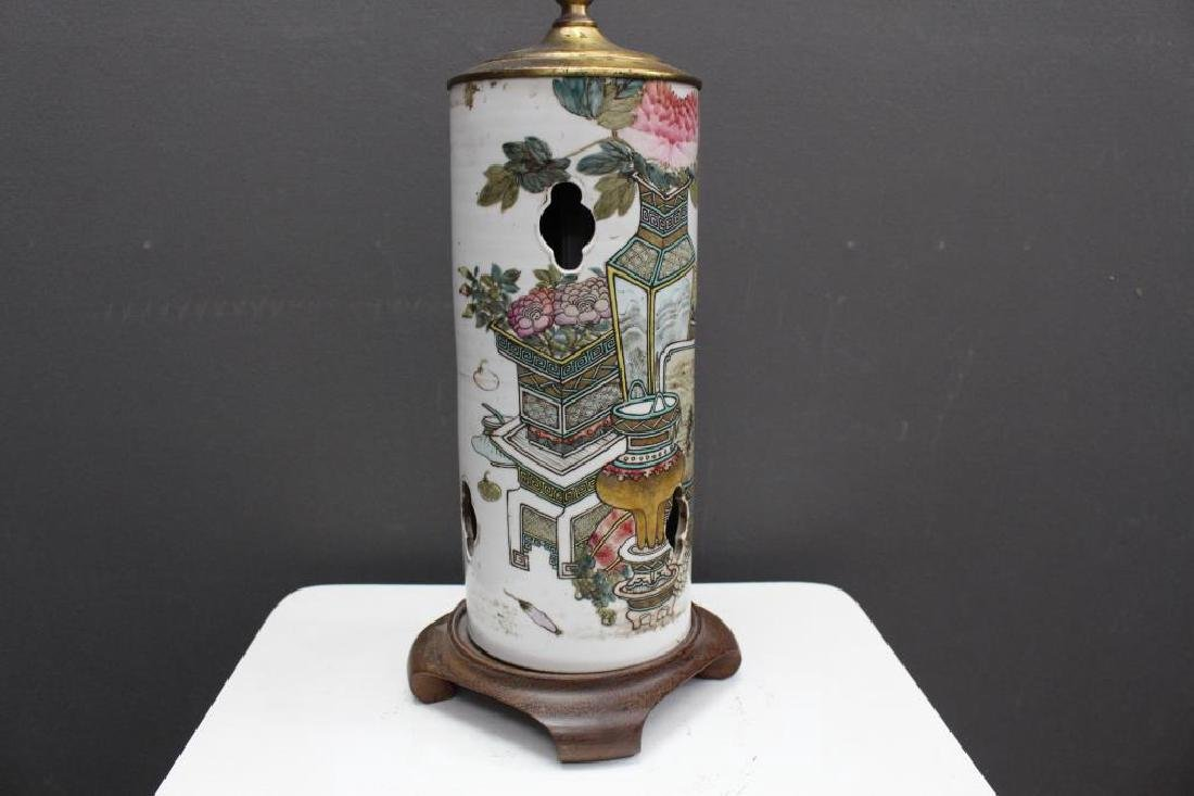 Chinese Qing Dynasty Signed Porcelain Lamp - 3