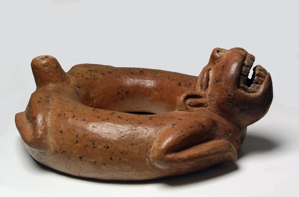 Pre-Columbian Circular Body Canine Effigy Vessel - 3