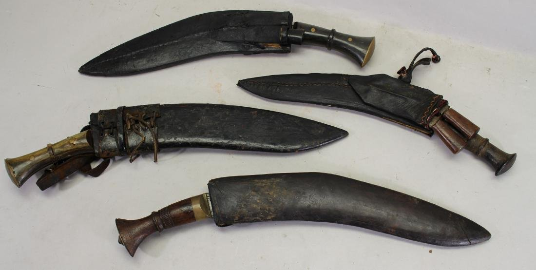 (4) Vintage Knives with Sheath
