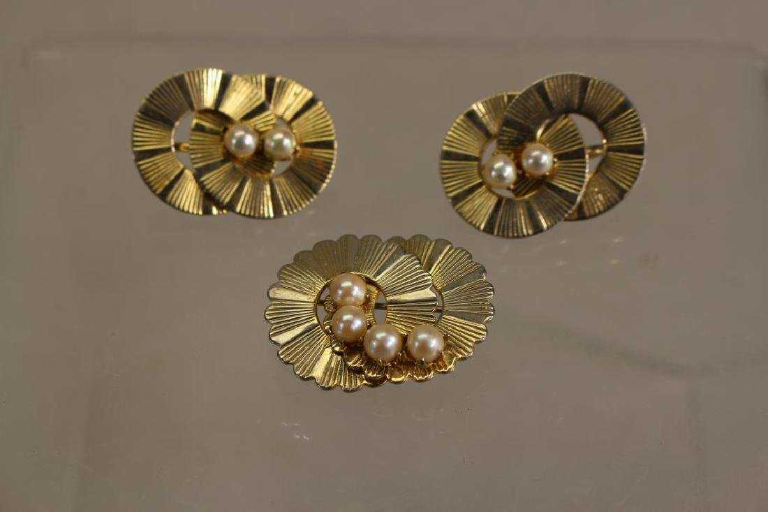 "(3) Pearl/'Gold"" Pins"