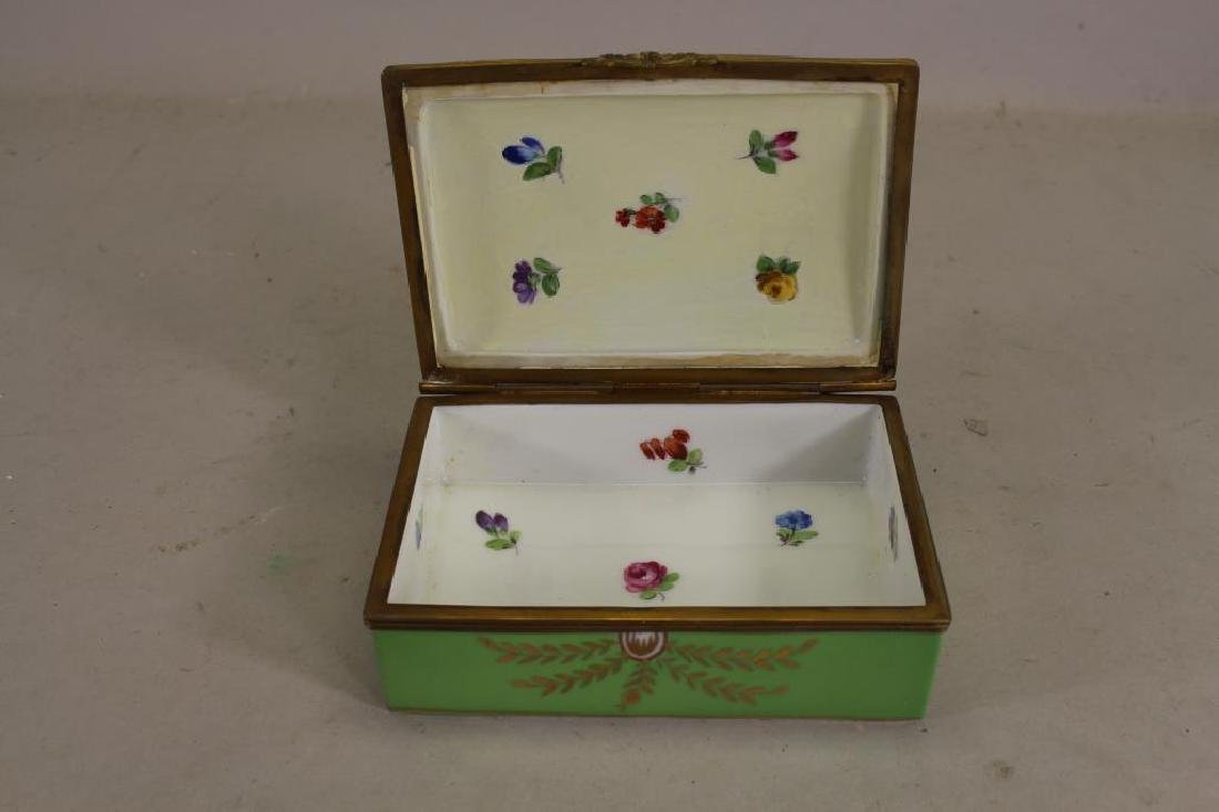 Antique French Porcelain Dresser Box - 2