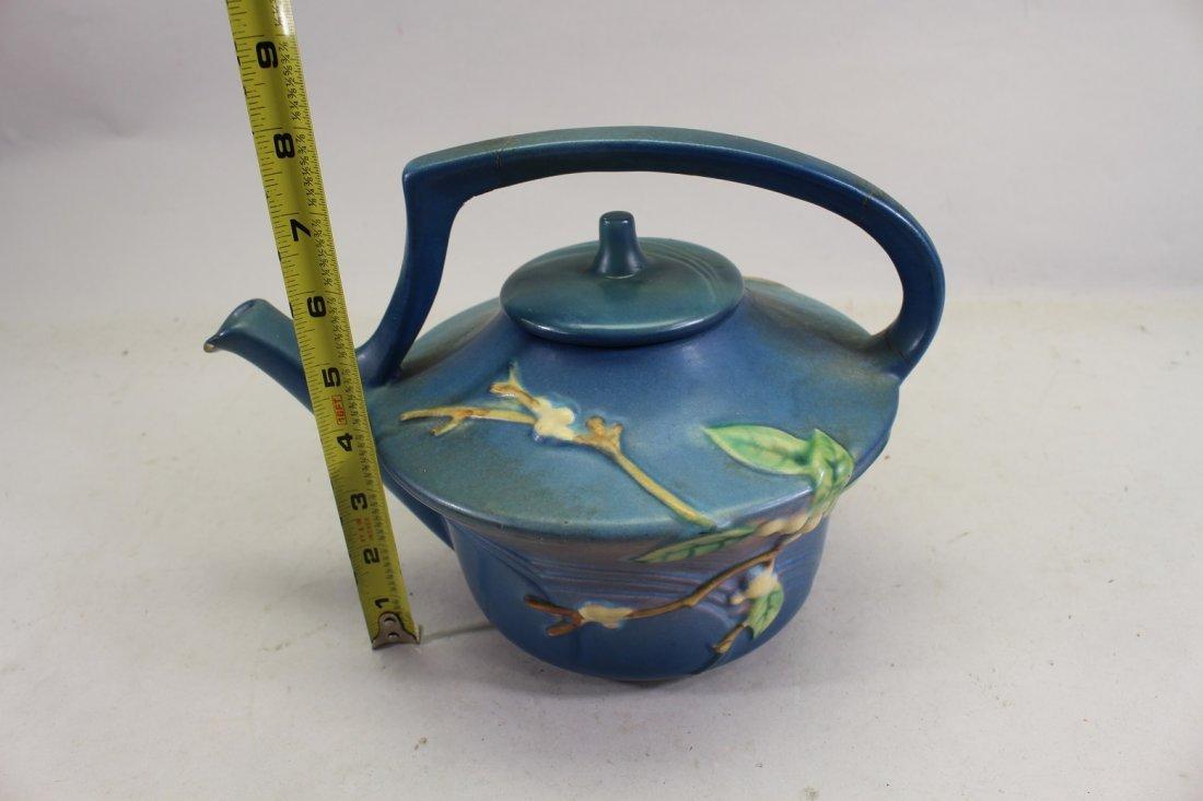 Roseville Snowberry Pattern Tea Pot - 3