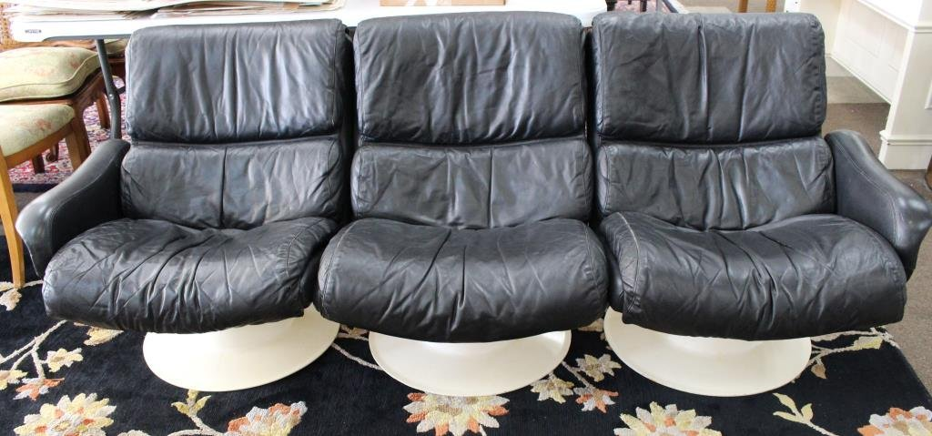 "1960s Yrjo Kukkapuro ""Saturn"" Black Leather Couch"