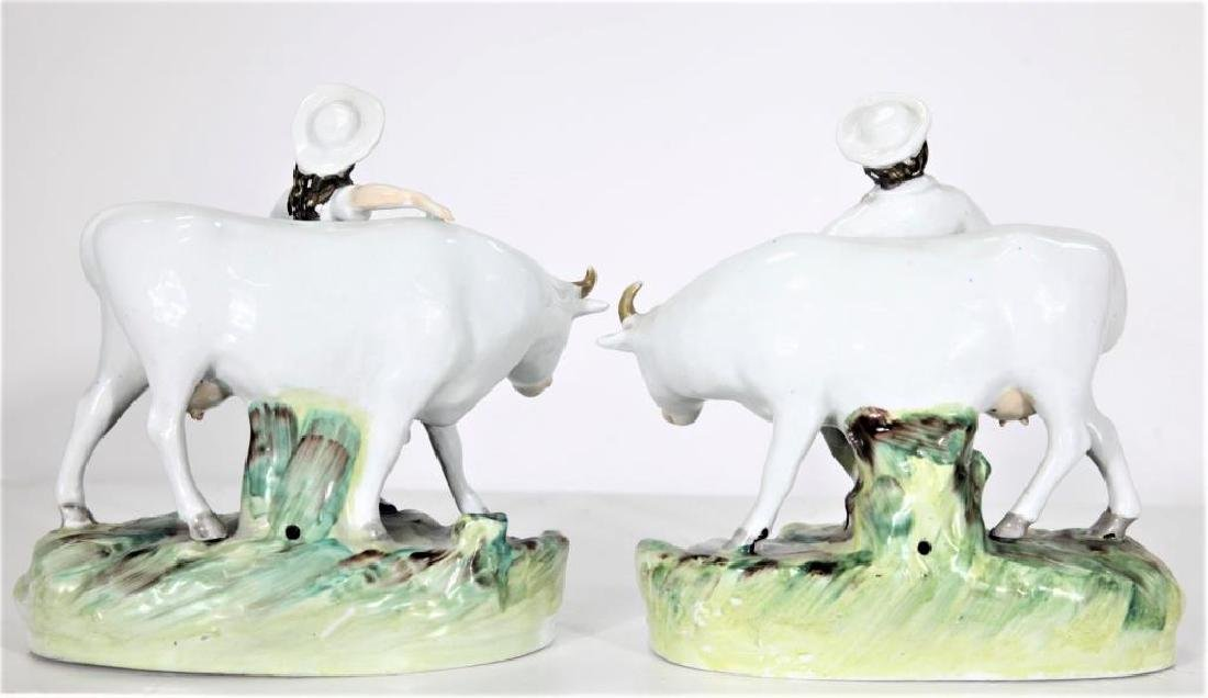 Pair of Staffordshire Figures - 5