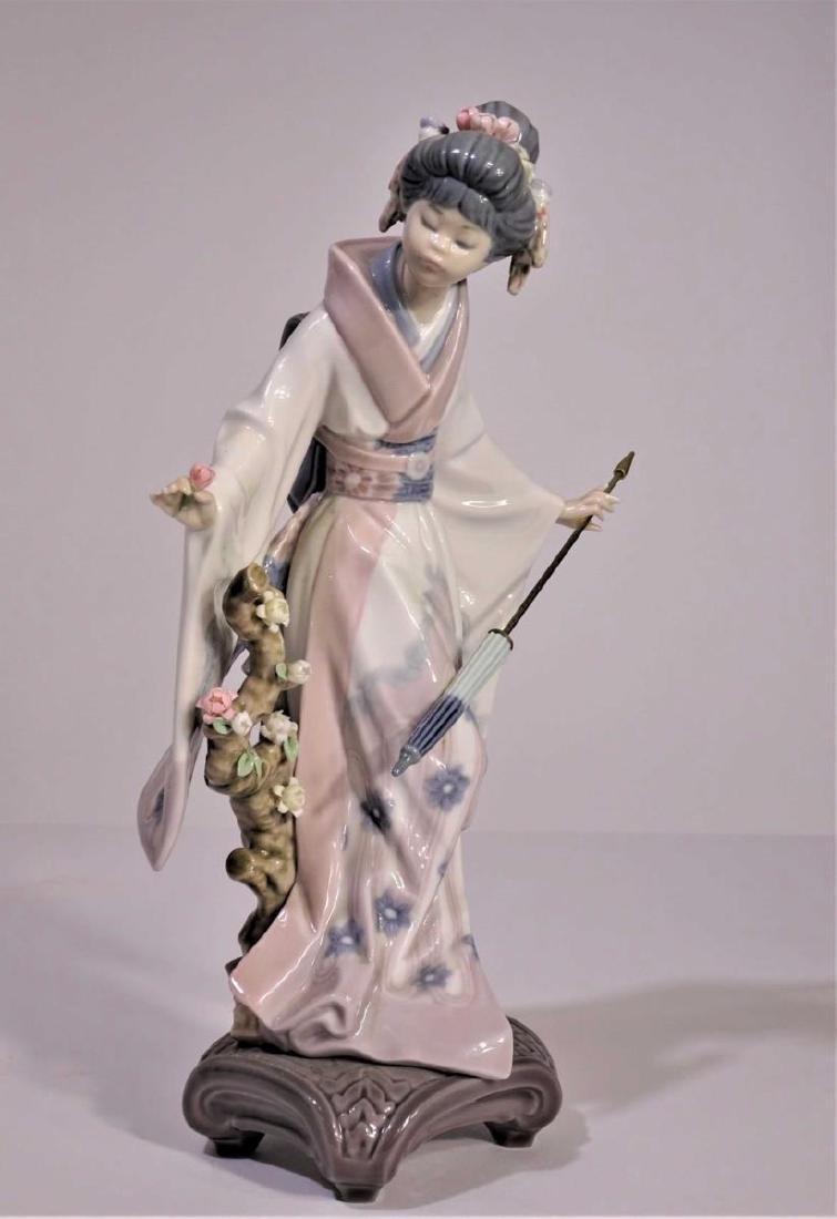Lladro'Japanese Girl with Umbrella' Figure
