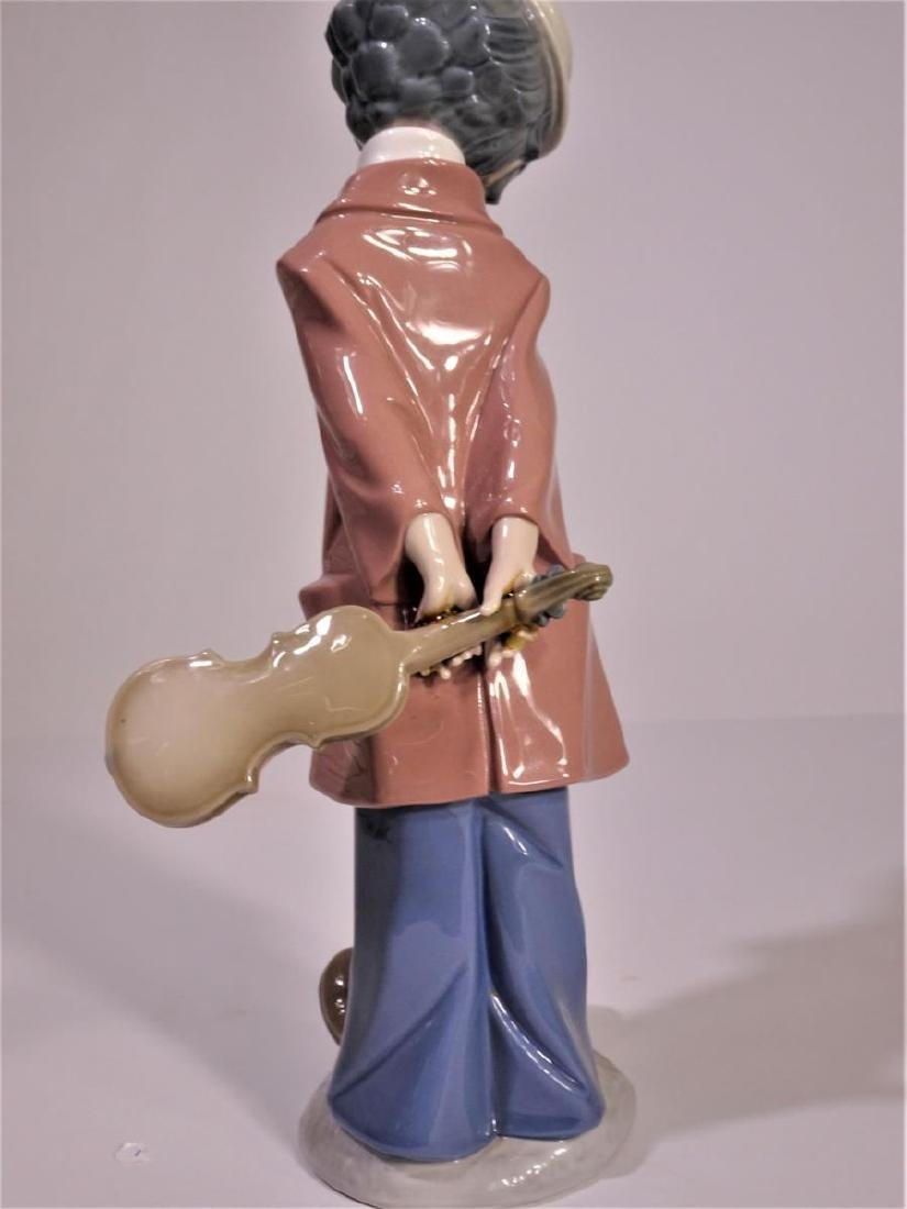 Lladro 'Clown Standing with Violin' Figure - 4
