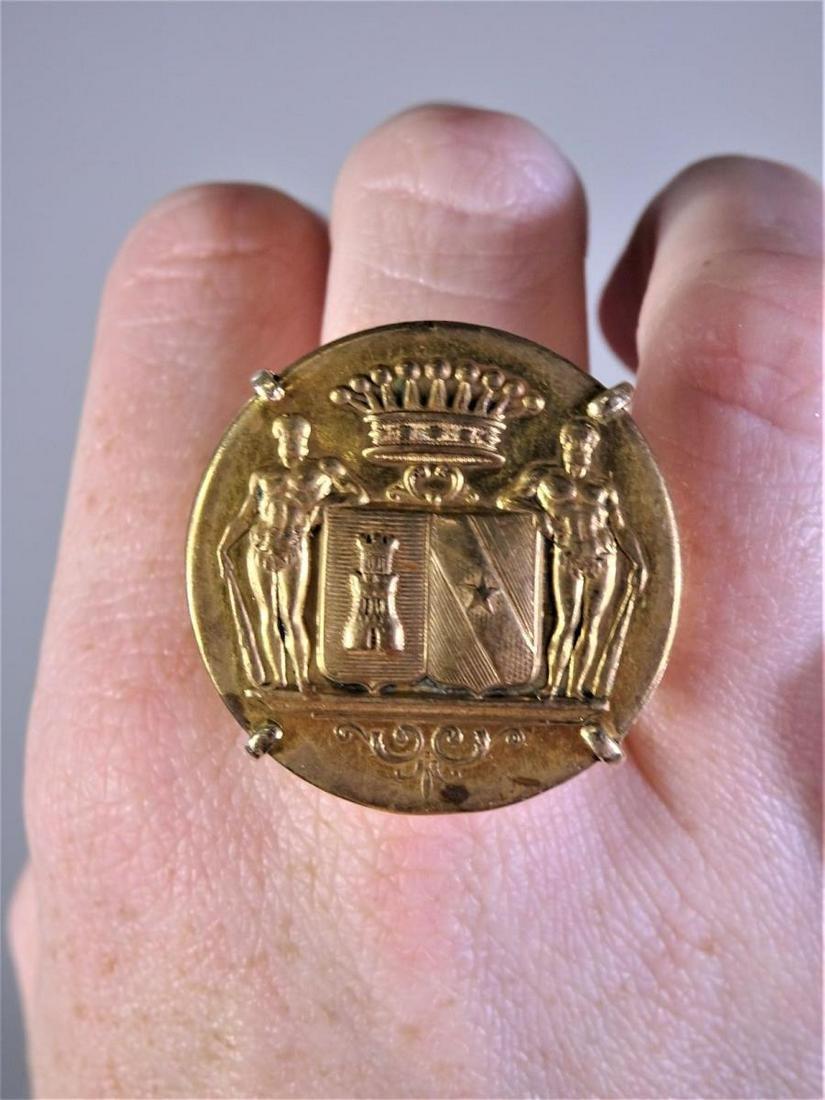 Antique 14k Gold Medallion Ring