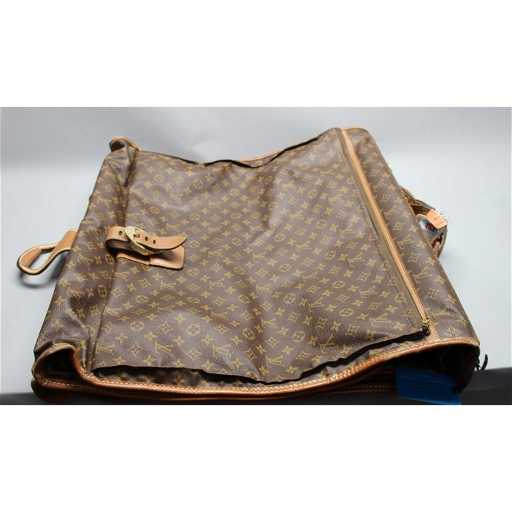 c8e52c6b0e67 Mid 1960s Vintage Louis Vuitton Travel Bag