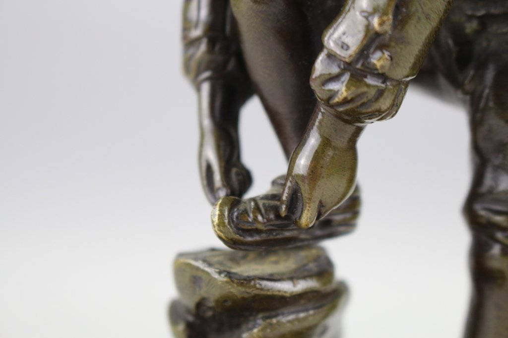 Antique Bronze Sculpture of Dutch Skater - 3