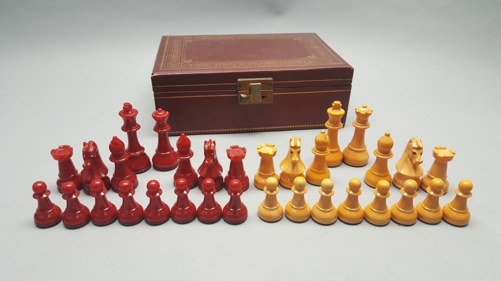Red/Yellow Chess Set w/ Case