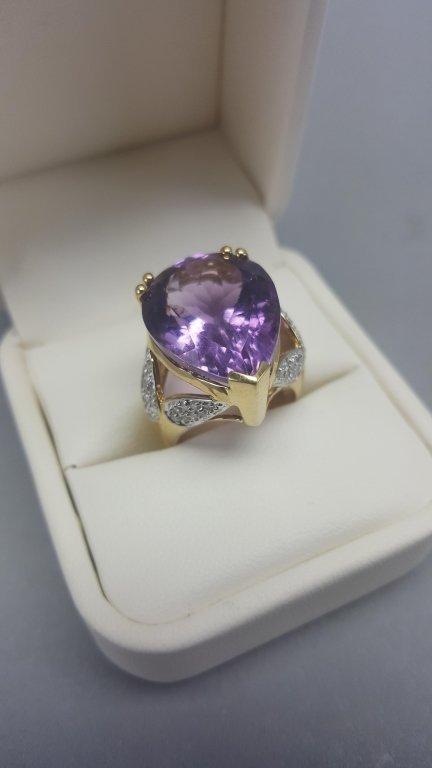 14K Gold Ring w/ Purple Stone - 2