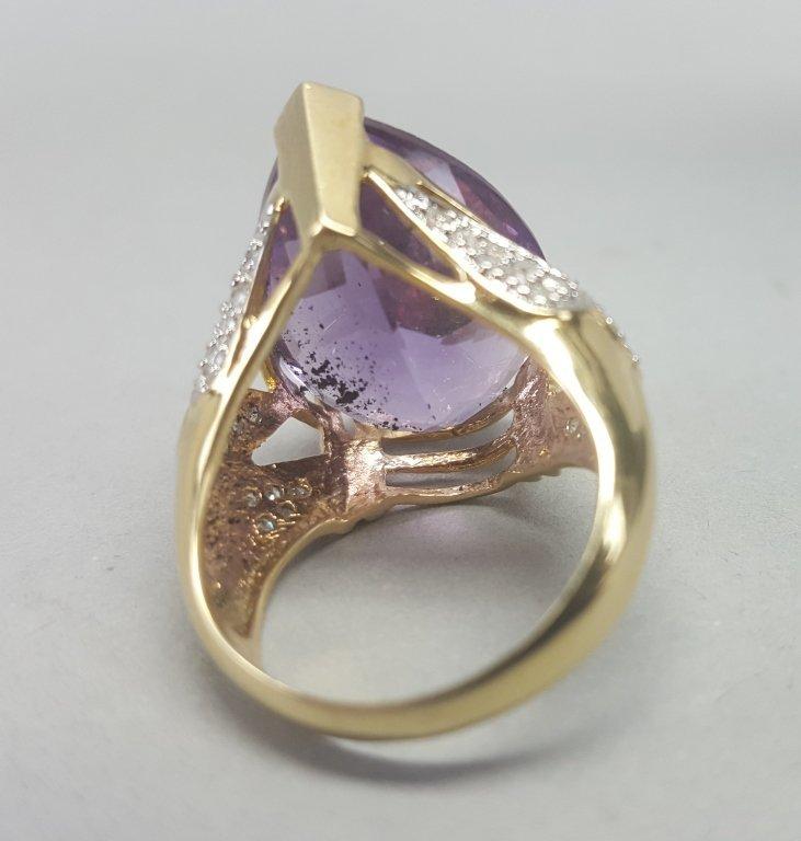 14K Gold Ring w/ Purple Stone - 4