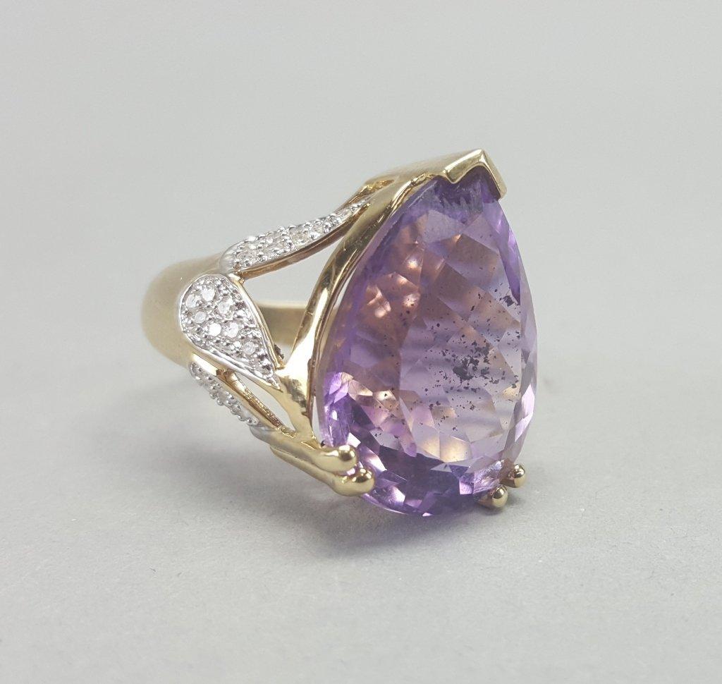14K Gold Ring w/ Purple Stone - 6