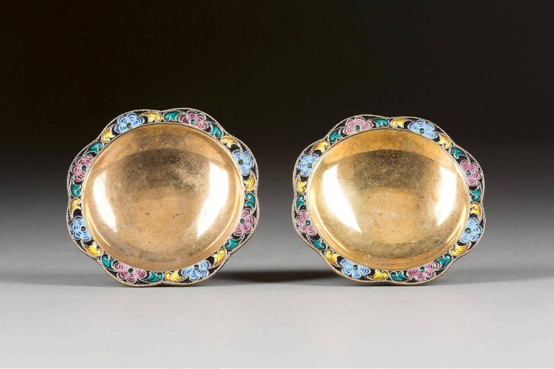 A PAIR OF SILVER-GILT AND CLOISONNÉ ENAMEL BOWLS Soviet