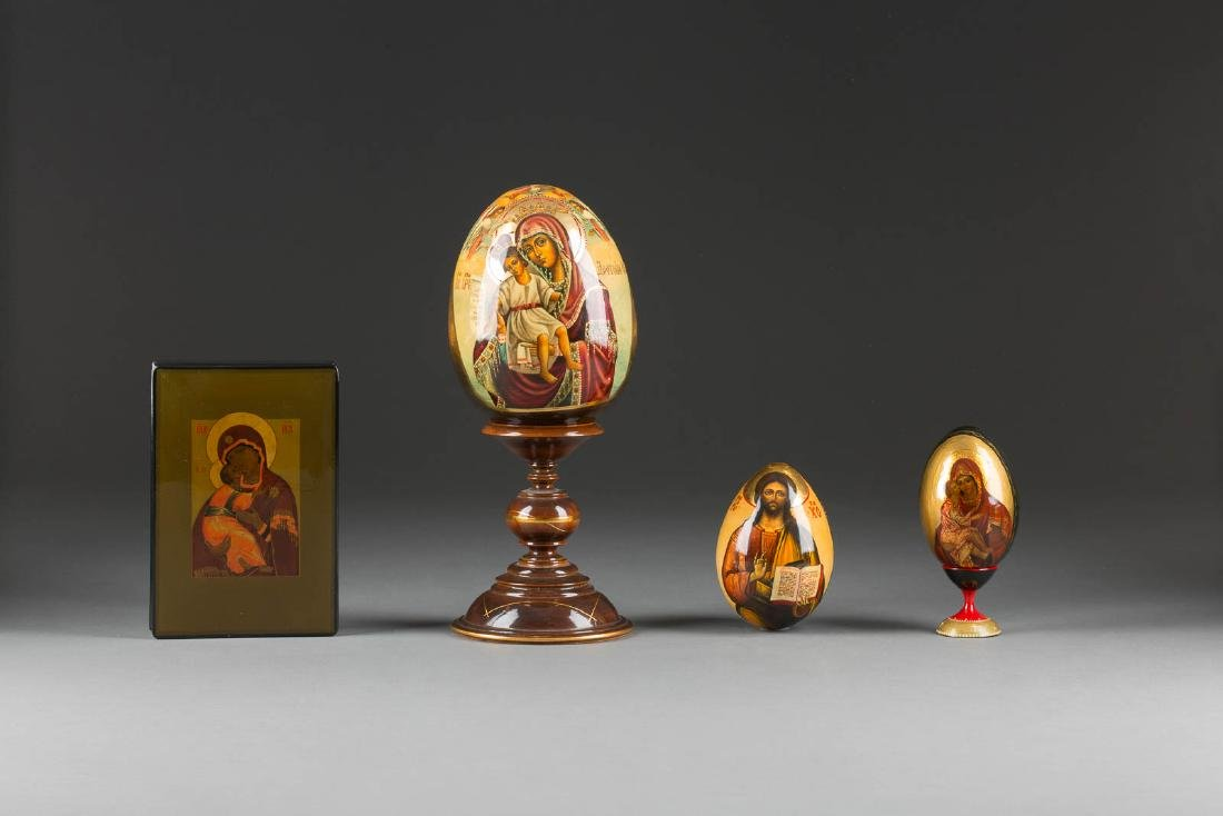 THREE LACQUER EGGS AND A PAPIERMACHÈ AND LACQUER BOX