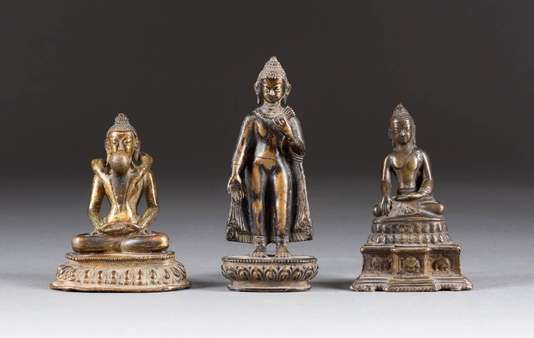 KONVOLUT VON DREI BUDDHA-FIGUREN Tibet und Thailand,