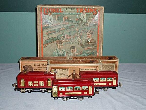 1003: Lionel O Gauge 1930's Tin Train Set, Electric En