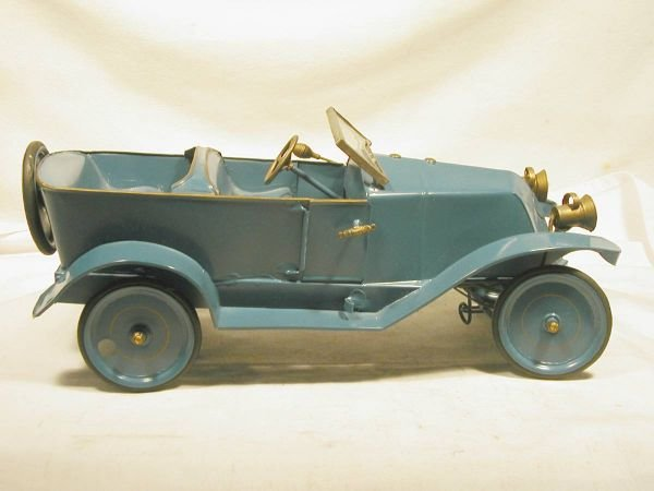 1008: Pressed Steel Pinard Automobile, Made in France 1