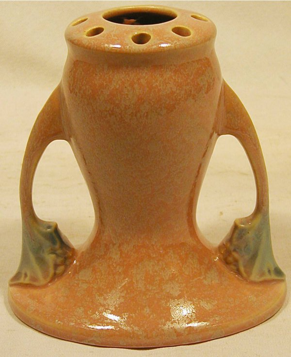 1011: Roseville #66-8 Tuscany Frog