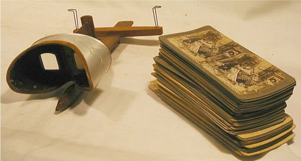 1018: Stereograph Viewer and Approx. 60 Cards,Excellent