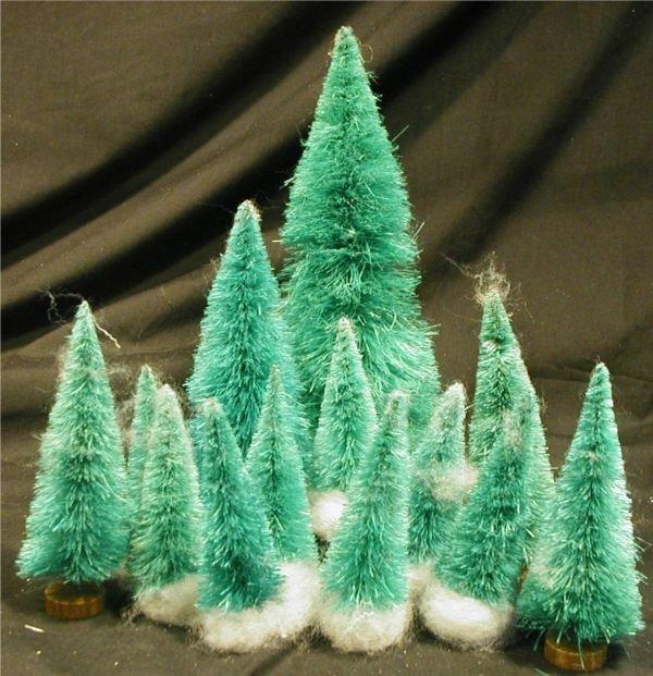 2009: 13 Vintage Bottle Brush Trees, 3 3/4, 5, 6, 9 1/2