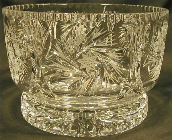 3021: Brilliant Cut Crystal Whirling Star & Wheat Patte