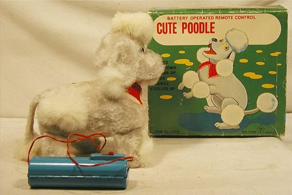 5002: Battery Operated Cute Poodle with Box NMIB