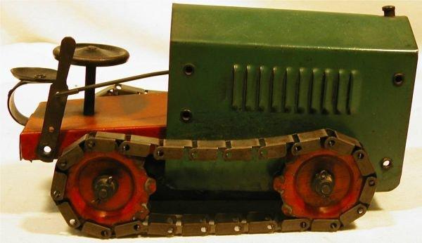 "6024: Structo Tractor Caterpillar Type, 8 1/2"" Long, E"