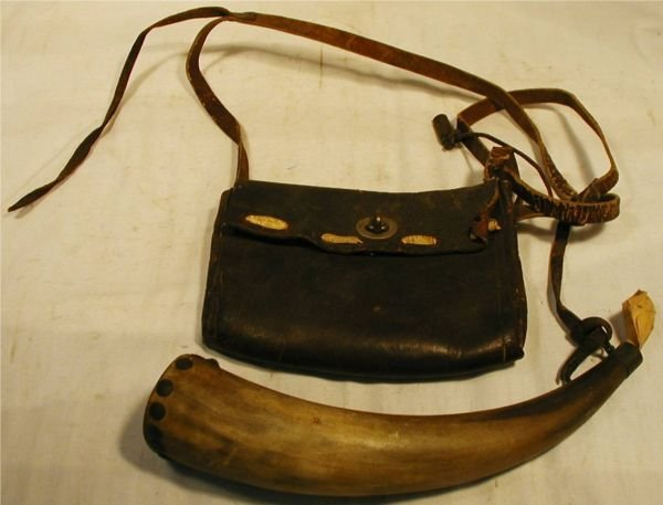 2013: 1800's Tacked Powderhorn with Meassure & Hunting