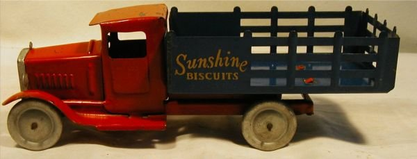 "3008: Metalcraft Sunshine Biscuit Truck, 12"" Long, Exc"