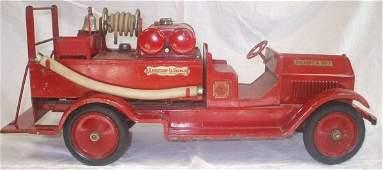 4206: Sturditoy American LaFrance Pumper all original,
