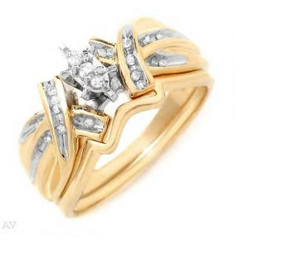 5004: Elegant and well-made ring in Solid 10k Yellow Go
