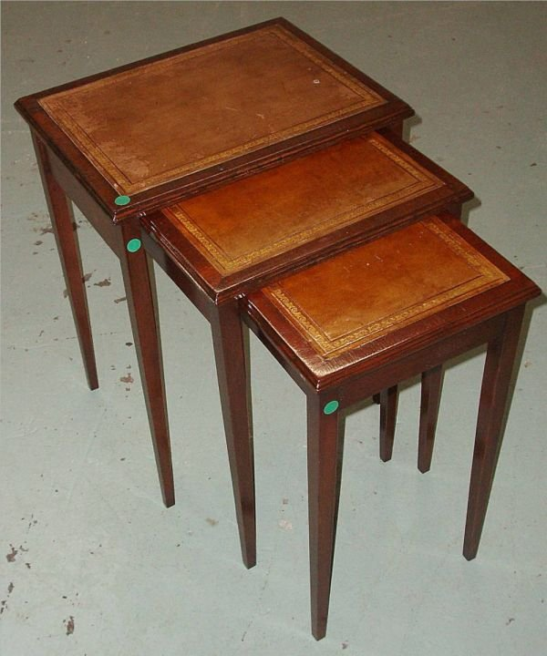 2015: Mahogany Leather Top Nesting Tables, Excellent Co