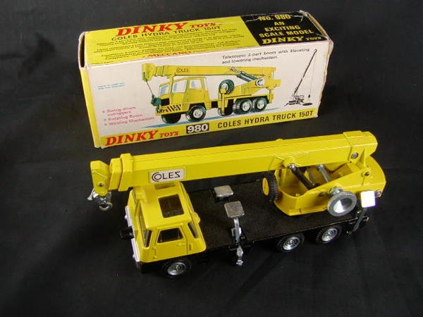 3070: Dinky 980 Coles Hydra Truck 150T with Box