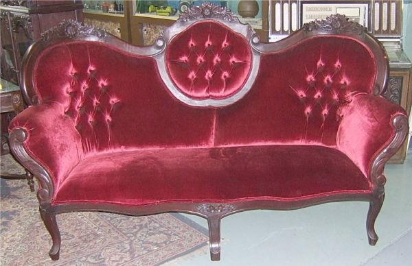 3075: Victorian Style Tufted High Back Couch, Contempor